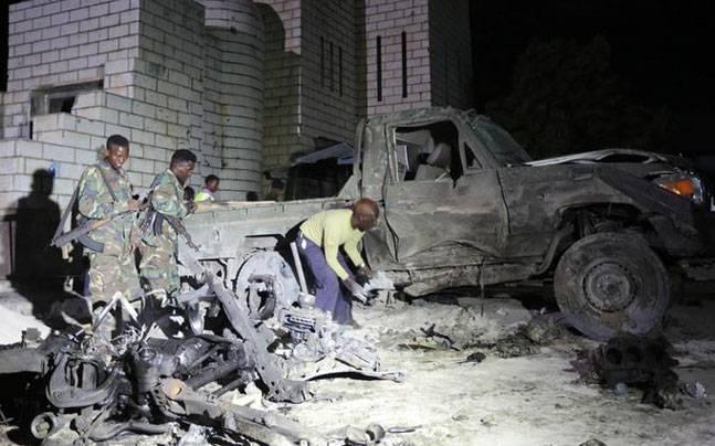 Zamach terrorystyczny w największym porcie Somalii. Nie żyje 29 osób - GospodarkaMorska.pl