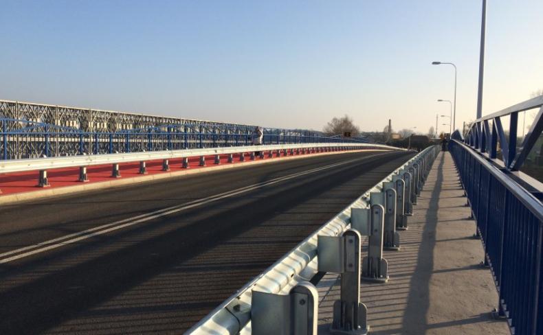 Otwarto dla ruchu nowy most przez Wartę w Skwierzynie - GospodarkaMorska.pl