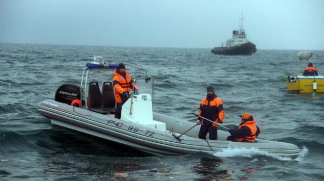 Nurkowie odnaleźli jedną z czarnych skrzynek Tu-154 - GospodarkaMorska.pl