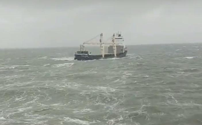 Ekstremalna akcja ratunkowa na Morzu Czarnym (wideo) - GospodarkaMorska.pl