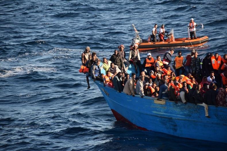 Frontex: w 2016 r. o 2/3 mniej imigrantów dotarło do UE przez morze - GospodarkaMorska.pl
