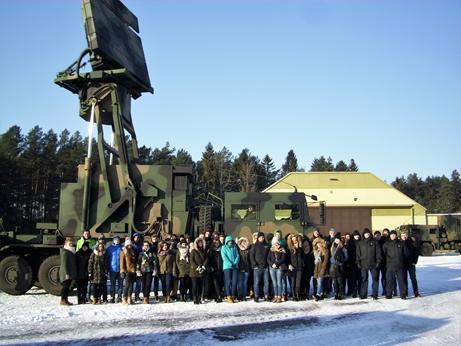 Studenci Akademii Marynarki Wojennej w Morskiej Jednostce Rakietowej - GospodarkaMorska.pl