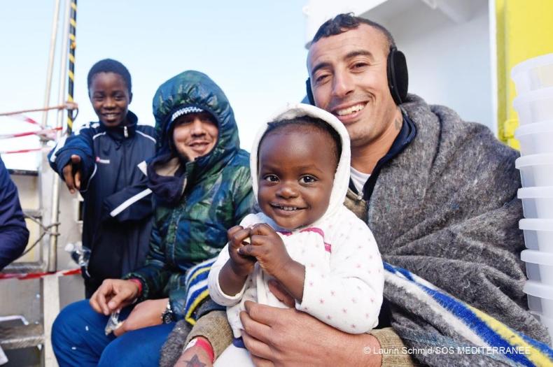UNICEF: podwoiła się liczba dzieci-uchodźców docierających do Włoch bez opieki - GospodarkaMorska.pl