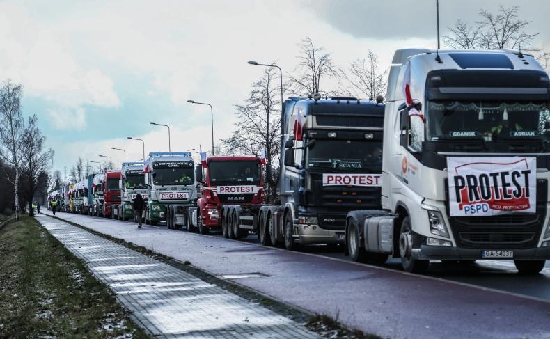 Nowy parking przy DCT. Kierowcy nie są zadowoleni - GospodarkaMorska.pl