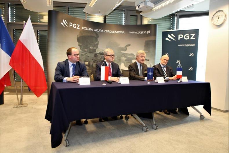 Polska Grupa Zbrojeniowa i DCNS podpisały porozumienie o współpracy przy realizacji programów morskich - GospodarkaMorska.pl