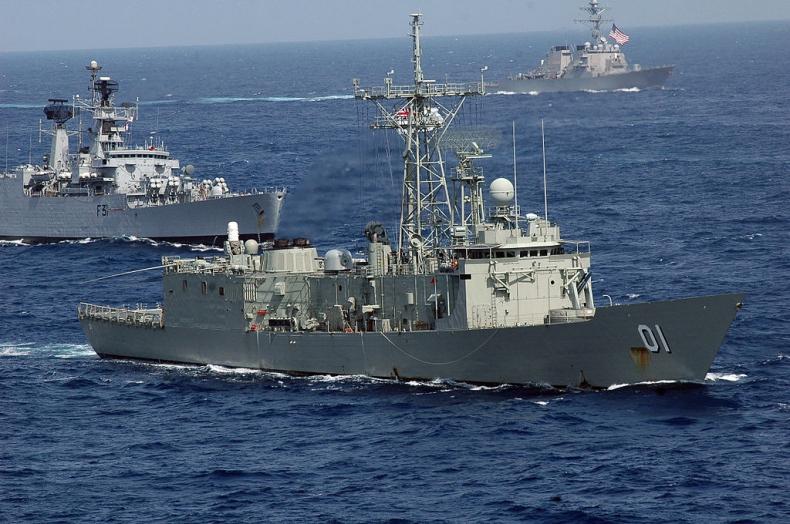 Czy używane australijskie fregaty zastąpią pomysł budowy okrętów Miecznik i Czapla? - GospodarkaMorska.pl
