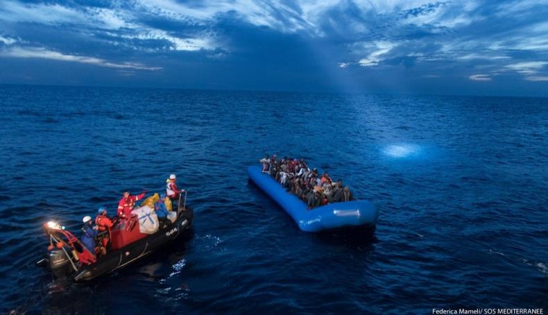 Około 10 tysięcy migrantów przypłynęło do Włoch od początku roku - GospodarkaMorska.pl
