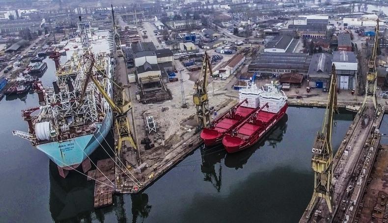 Remontowa Shipbuilding została z nieodebranymi statkami - GospodarkaMorska.pl