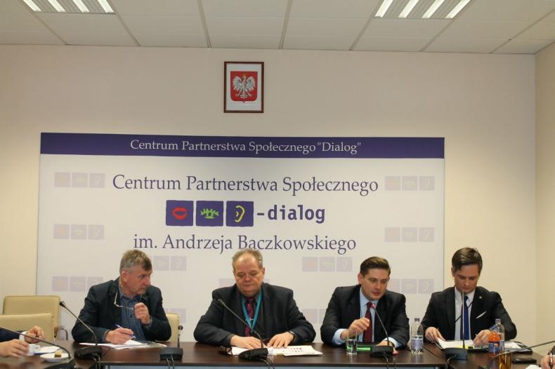 Kolejne posiedzenie Trójstronnego Zespołu ds. Przemysłu Stoczniowego - GospodarkaMorska.pl