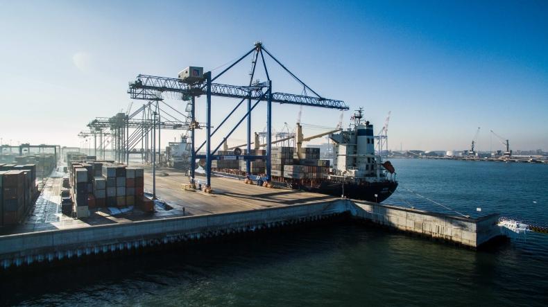 Szwed: projekt ws. ograniczenia handlu w niedzielę powinien być przepracowany w Sejmie - GospodarkaMorska.pl