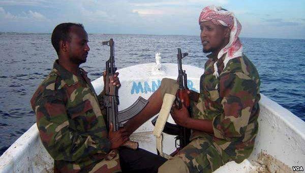 W Somalii piraci porwali tankowiec po raz pierwszy od 2012 roku - GospodarkaMorska.pl