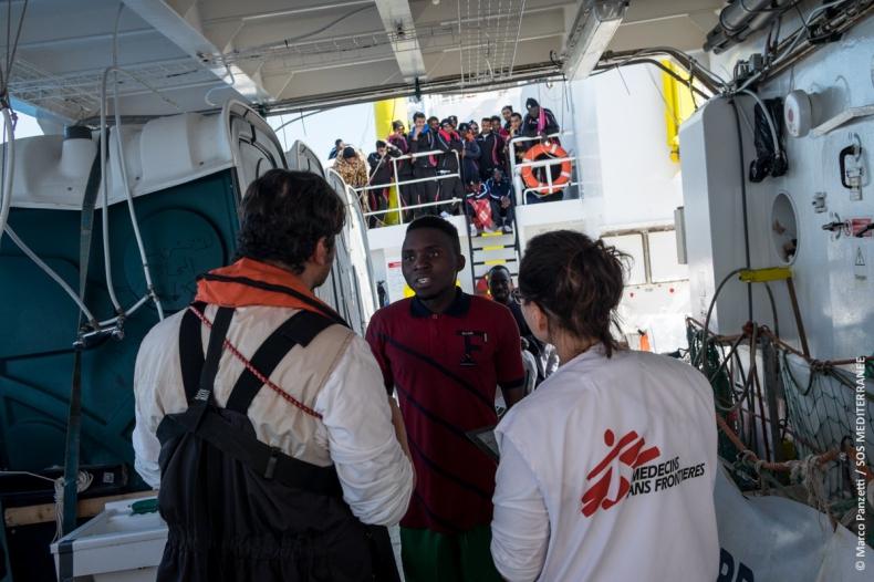 Rząd Włoch prognozuje napływ 250 tys. migrantów w tym roku - GospodarkaMorska.pl