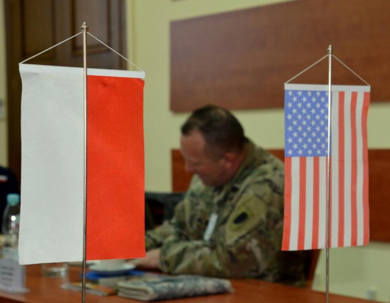 Wizyta przedstawicieli Gwardii Narodowej Illinois (USA) w COM-DKM - GospodarkaMorska.pl