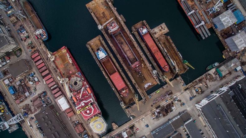 Pełne doki w Stoczni Remotowej Nauta. To będzie pracowity miesiąc (foto, wideo) - GospodarkaMorska.pl
