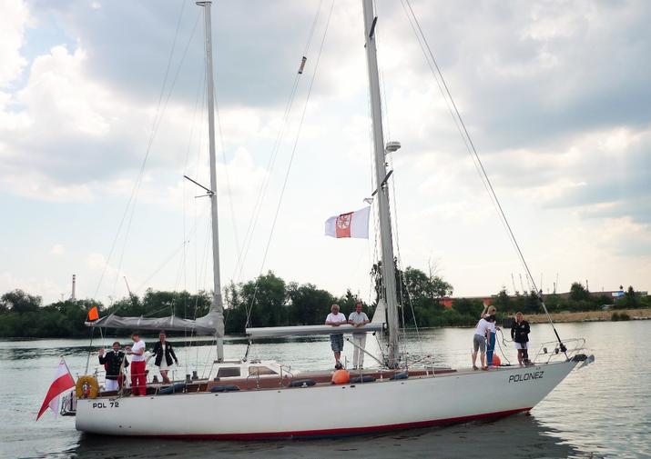 Historyczy jacht Polonez wystawiony na sprzedaż - GospodarkaMorska.pl