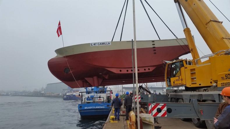 W Stoczni Parsęta po raz pierwszy od dwóch lat zwodowano statek rybacki - GospodarkaMorska.pl