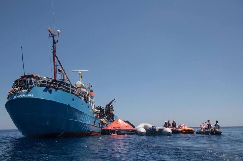 """Dwa niemieckie statki ratownicze na Morzu Śródziemnym nadały sygnał """"Mayday"""" - GospodarkaMorska.pl"""