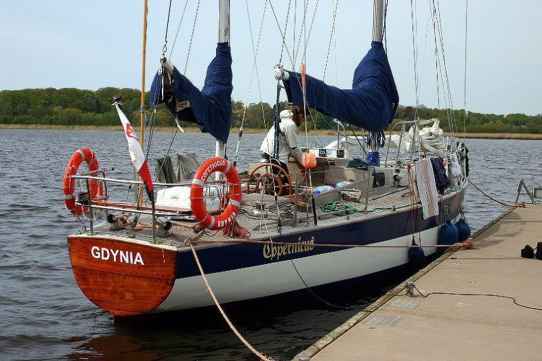 Zatonął legendarny jacht Copernicus - GospodarkaMorska.pl