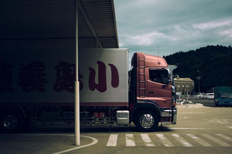 Rekordowy ruch w transporcie drobnicowym. Niektóre firmy logistyczne notują prawie 100-proc. wzrost - GospodarkaMorska.pl