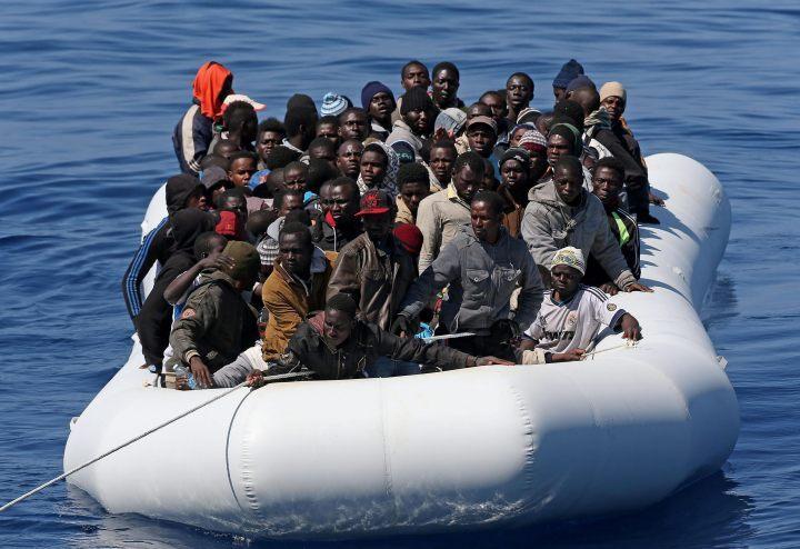 Włosi szkolili straż przybrzeżną Libii do walki z przemytnikami migrantów - GospodarkaMorska.pl