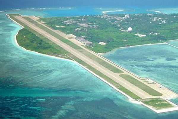 Filipiny: minister obrony odwiedził wyspę, do której zgłaszają pretensje Chiny - GospodarkaMorska.pl