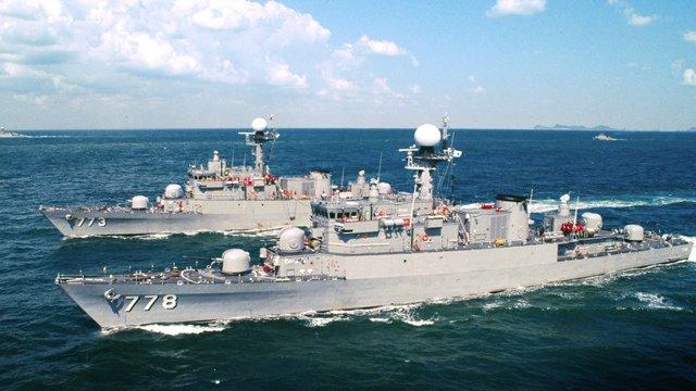 Korea Południowa przekaże Filipinom okręt za 100 dolarów - GospodarkaMorska.pl