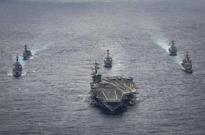 Trwają manewry USA i Korei Płd. na Morzu Japońskim - GospodarkaMorska.pl