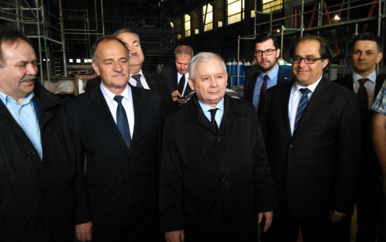 Szczecin. Jarosław Kaczyński, prezes PiS, w stoczni o odbudowie przemysłu - GospodarkaMorska.pl