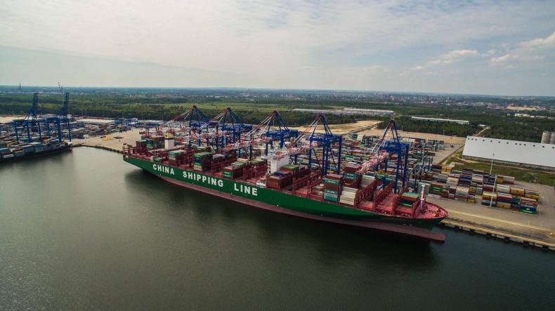 Największe kontenerowce świata raz w tygodniu będą wpływały do gdańskiego portu (foto, wideo) - GospodarkaMorska.pl
