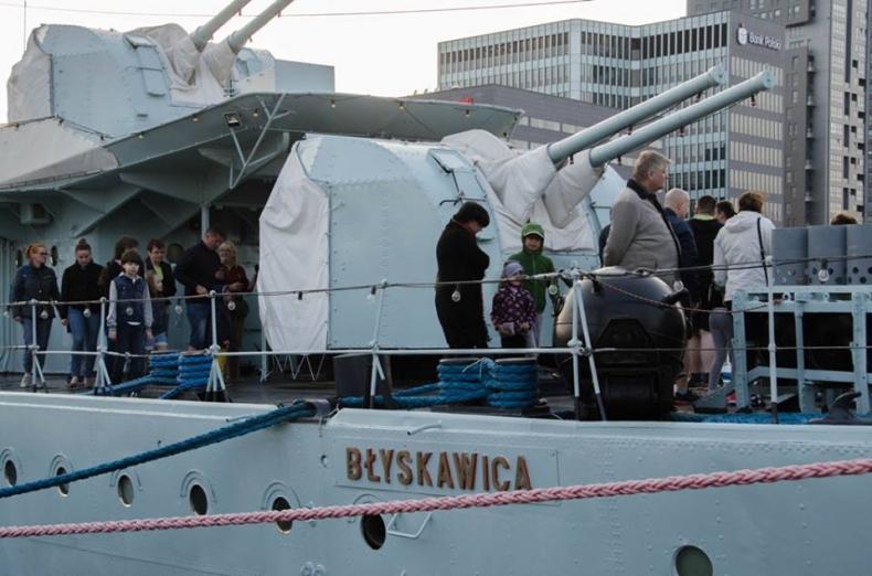 Tłumy na Marynarskiej Nocy Muzeów w Gdyni (foto) - GospodarkaMorska.pl