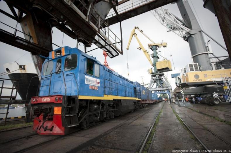 Rosyjskie koleje ograniczają transport towarów przez łotewskie porty - GospodarkaMorska.pl