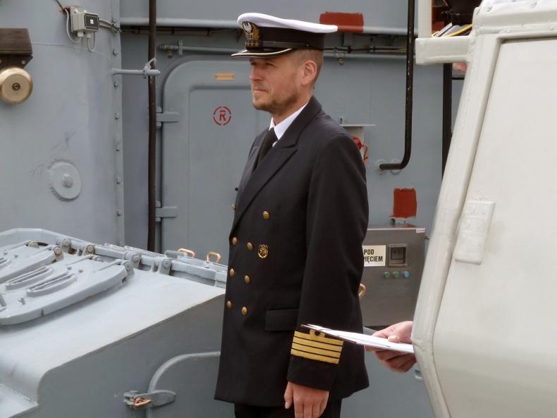 Nowy dowódca Z-8 - GospodarkaMorska.pl