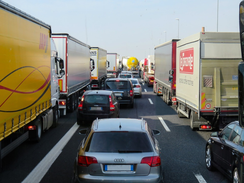 Minister infrastruktury krytykuje propozycje KE ws. transportu. Polska będzie przeciw - GospodarkaMorska.pl