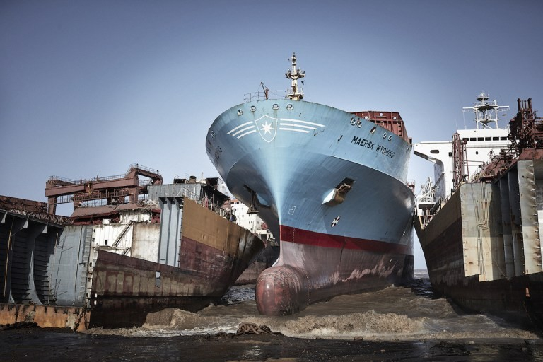 Armatorzy muszą zezłomować do końca roku ponad 60 kontenerowców - GospodarkaMorska.pl
