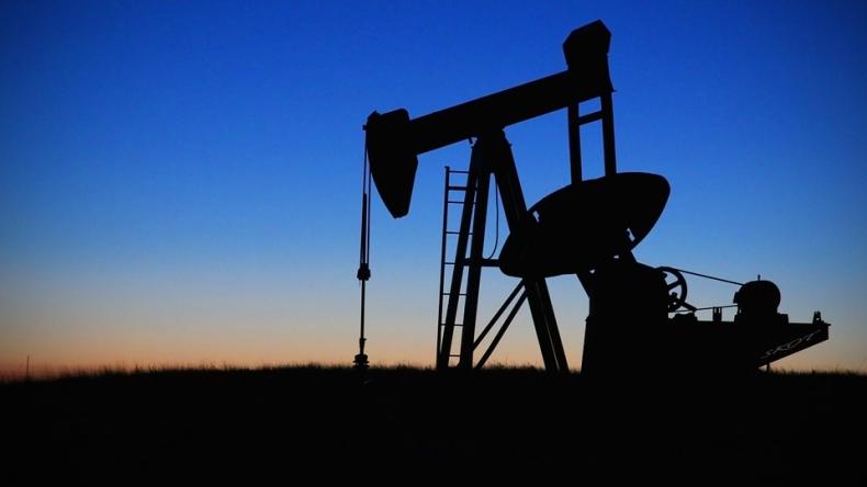 Benzyna zaszkodziła notowaniom ropy - GospodarkaMorska.pl