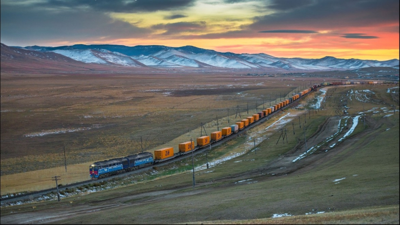 Ponad 4000 kursów pociągów towarowych między Chinami a Europą od 2011 r. - GospodarkaMorska.pl