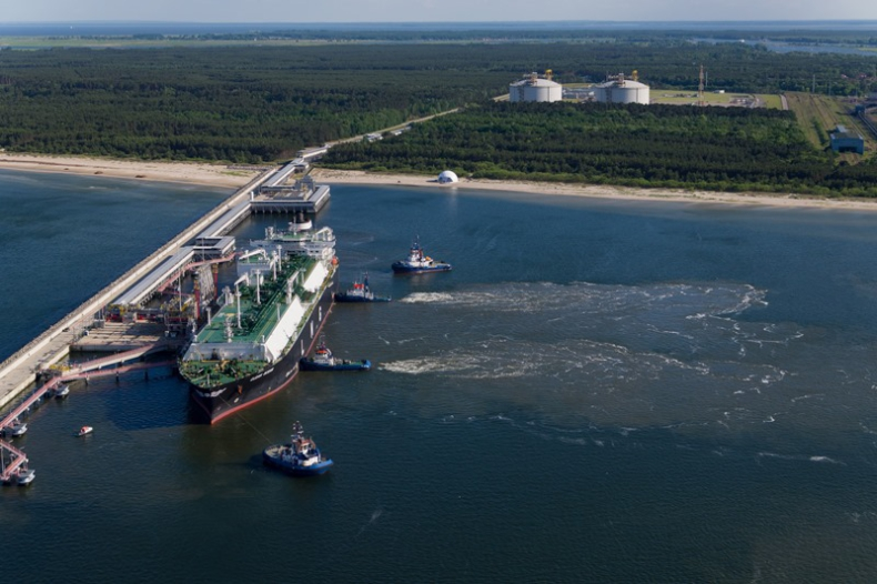 Naimski: katarski statek z LNG dla Polski został przepuszczony przez Kanał Sueski - GospodarkaMorska.pl