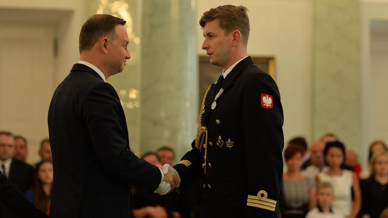 Marynarska ofiarność i odwaga - GospodarkaMorska.pl