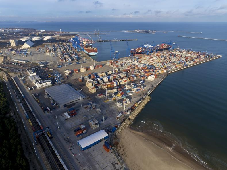 Raport Deloitte: Konkurencyjność polityki żeglugowej Unii Europejskiej - GospodarkaMorska.pl