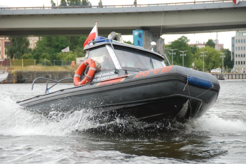 SG-018 w akcji ratowniczej - GospodarkaMorska.pl
