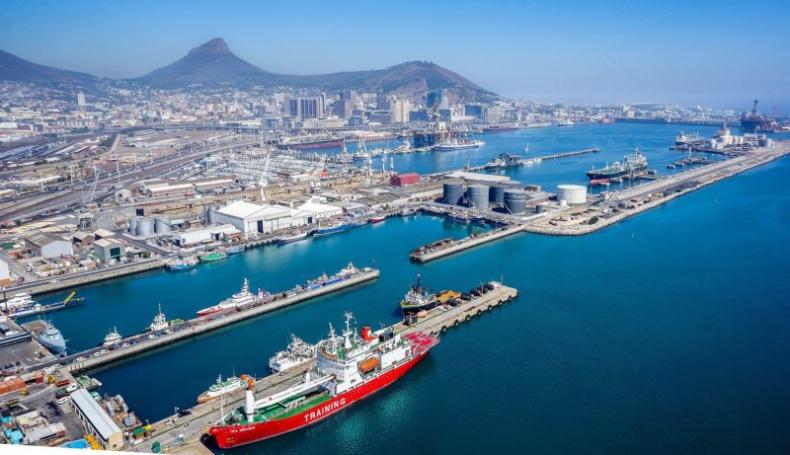 RPA odrzuca propozycję połączenia japońskich gigantów kontenerowych - GospodarkaMorska.pl
