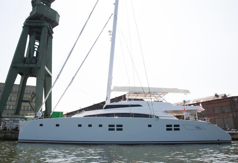 Awangardowy katamaran, superjacht Sunreef 88 Double Deck przekazany właścicielowi - GospodarkaMorska.pl