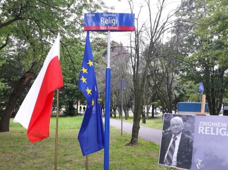 Warszawa: Fragment nadwiślańskich bulwarów nosi imię Zbigniewa Religi - GospodarkaMorska.pl