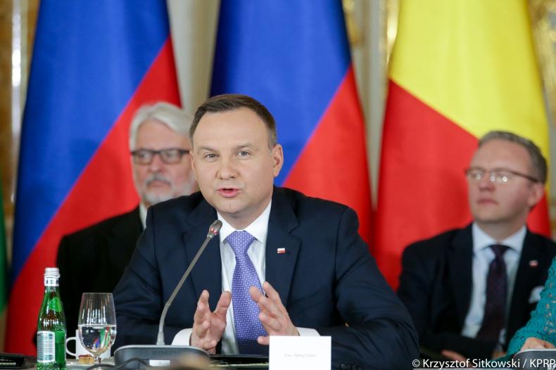 Prezydent Duda: chcemy, żeby nigdy nikt nie mógł zastosować szantażu gazowego wobec państw Trójmorza - GospodarkaMorska.pl