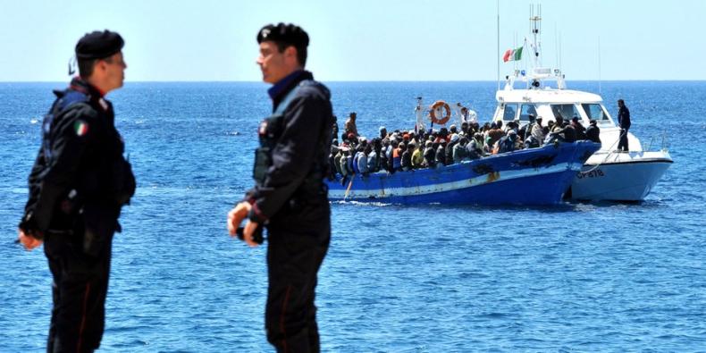 Ponad 7 300 uratowanych migrantów zmierza do włoskich portów - GospodarkaMorska.pl