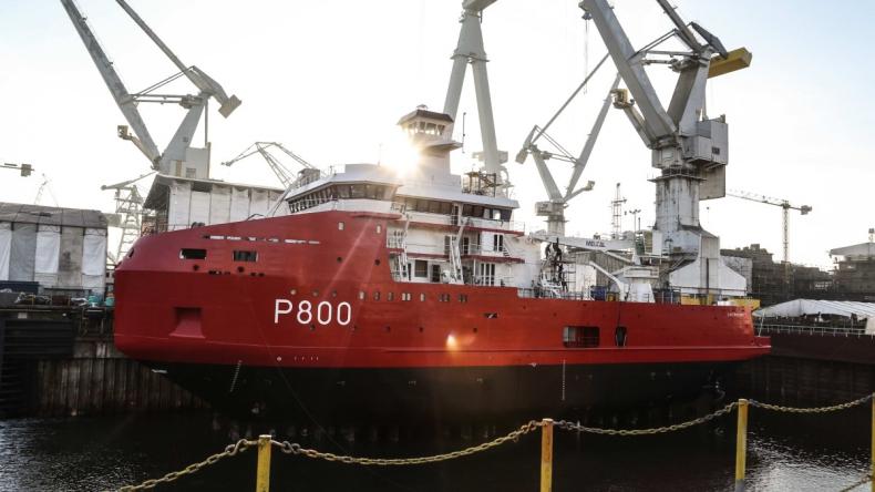 Statek częściowo wybudowany w Polsce już po chrzcie (wideo) - GospodarkaMorska.pl