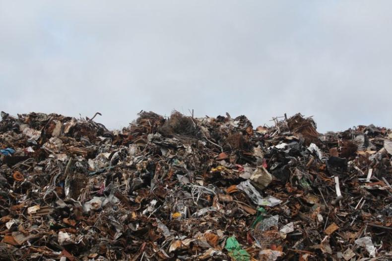 Chiny nie będą więcej importować śmieci z całego świata - GospodarkaMorska.pl