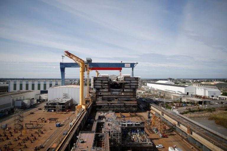Francja: Komentarze po decyzji upaństwowienia stoczni w Saint Nazaire - GospodarkaMorska.pl