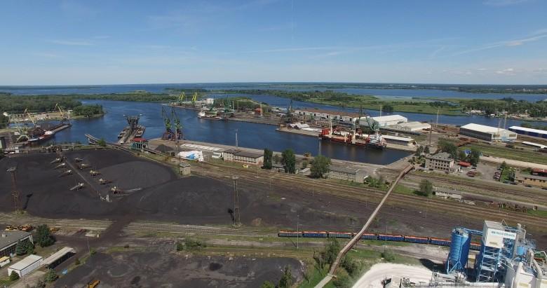 Porty Szczecin i Świnoujście utrzymują pozycję uniwersalnego portu (wideo) - GospodarkaMorska.pl