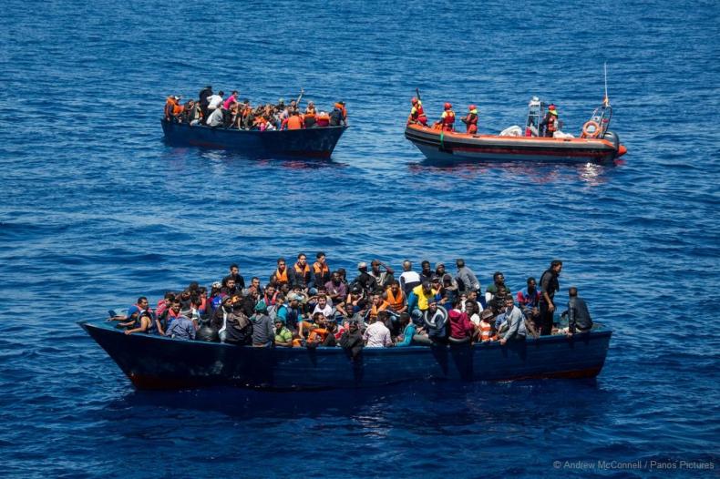 UNHCR apeluje do Australii, by chroniła migrantów po śmierci jednego z nich - GospodarkaMorska.pl